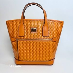 DOONEY & BOURKE CAMDEN WOVEN CONVERTIBLE TOTE BAG